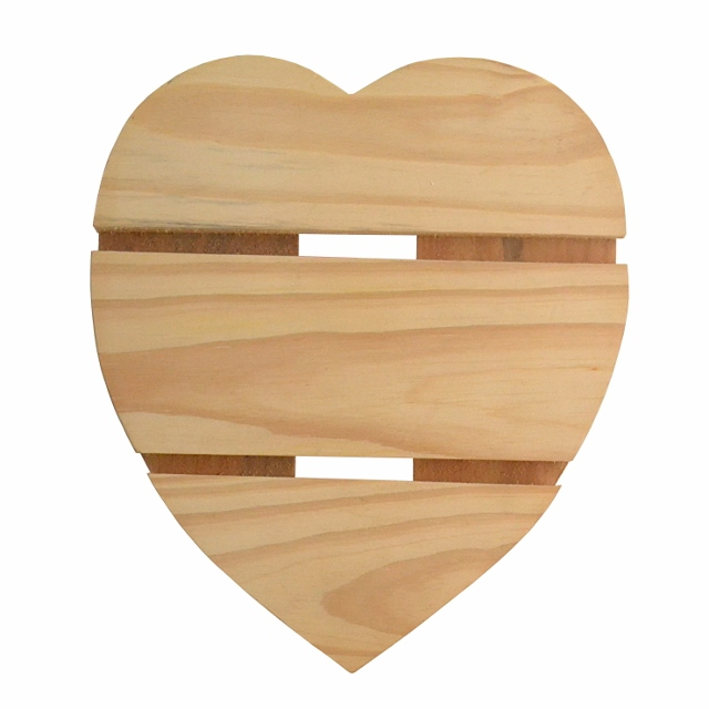 Wooden heart placemat - pot holder